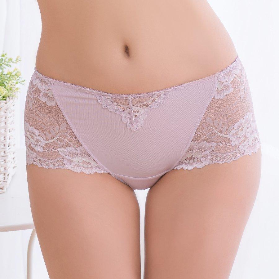 【滿滿】無痕蕾絲平口內褲